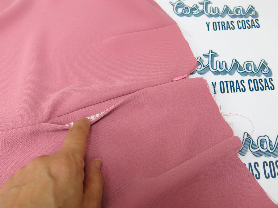 Пришивание молнии в шов с внутренним карманом