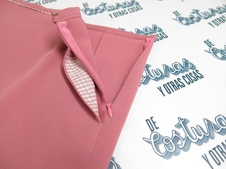 застежка в шве с боковым карманом