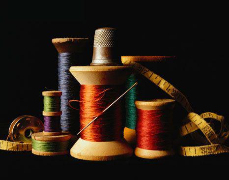 нитки и иглы для шитья